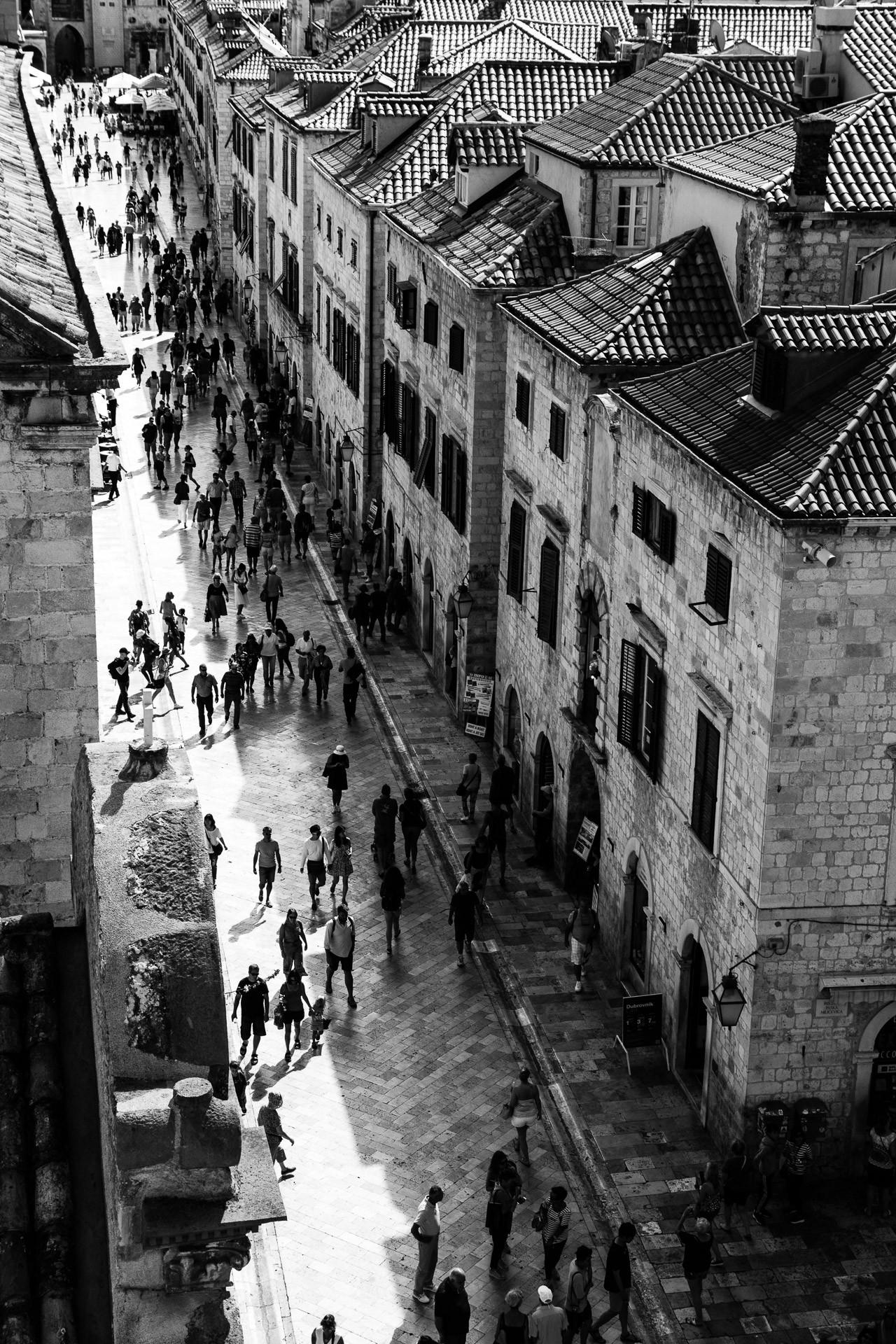 Mathias Dingjan - Main street in Dubrovnik (Voorkeur)